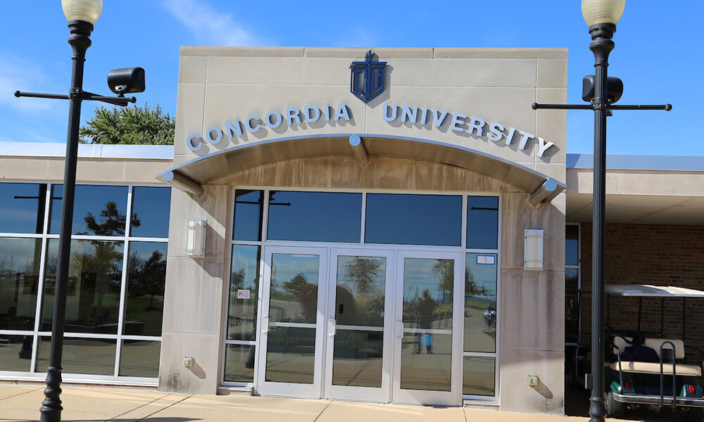 The front entrance of Concordia University Wisconsin.